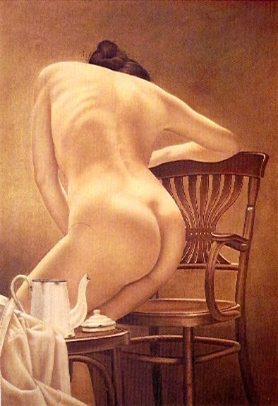 mujer-sentandose-con-cafetera-blanca-1975